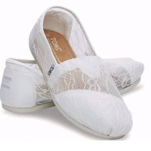 Toms classic white lace